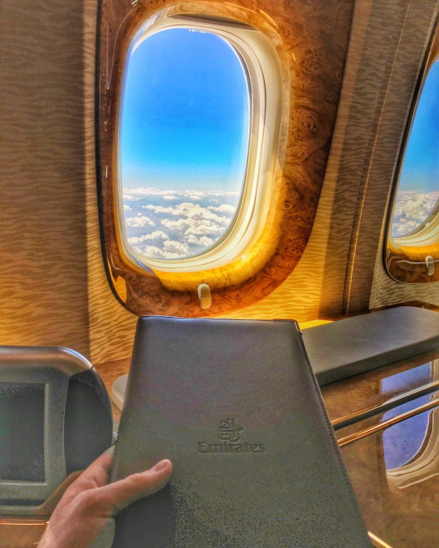 Esto es todo lo que podrás hacer si vuelas en primera clase con Emirates
