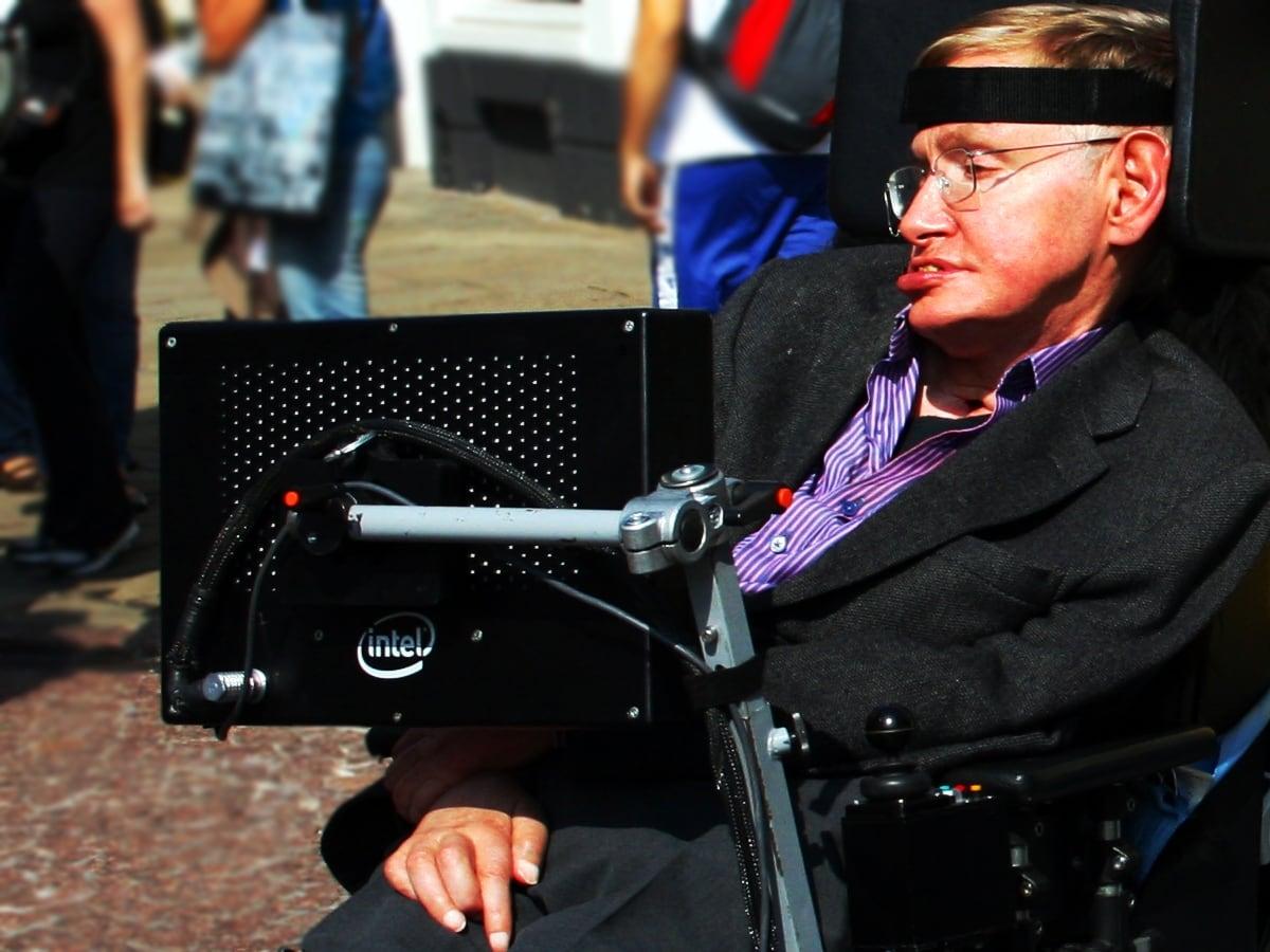 Las impactantes predicciones de Stephen Hawking en 2017