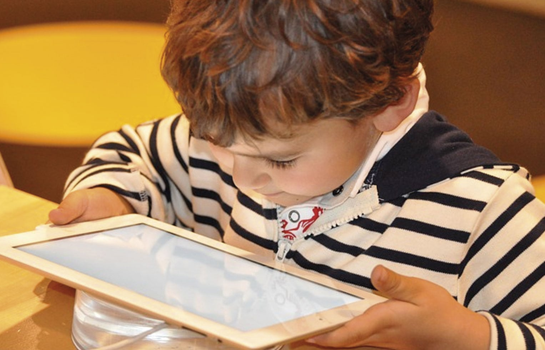 Uno de cada dos padres españoles teme no poder comunicarse con sus hijos por culpa de la tecnología