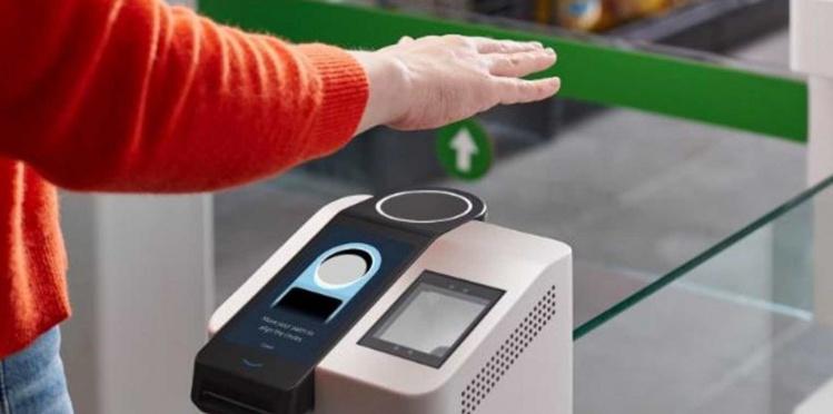 Así es Amazon One, el nuevo sistema para pagar escaneando tu mano