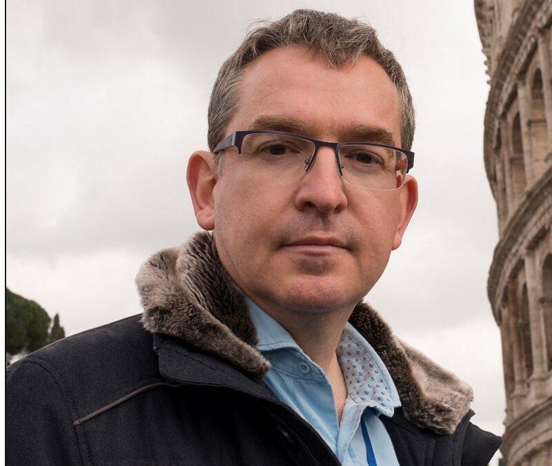 Santiago Posteguillo: «En España, una opinión libre puede condicionar tu desempeño cultural, y eso es muy triste»