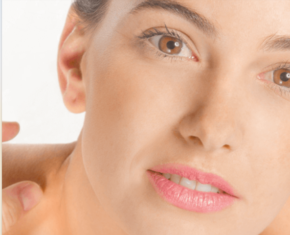 Cómo combatir dos enemigos a la vez: acné y arrugas