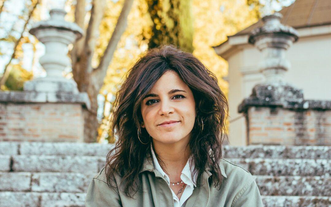 Ana Iris Simón, autora de 'Feria': «El éxito no era ser CEO en Singapur»