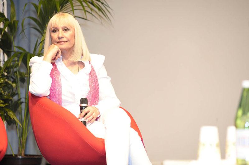 Raffaella Carrà, adiós a la artista italiana más internacional